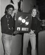 1983 - Thriller Certified Platinum  Th_579311963_184961_191229417576409_4596697_n_122_138lo