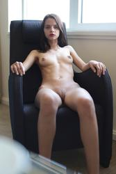http://img200.imagevenue.com/loc141/th_561596204_ATT_2_123_141lo.jpg