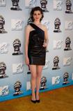 http://img200.imagevenue.com/loc143/th_66233_Anne_Hathaway_2008-06-01_-_2008_MTV_Movie_Awards_122_143lo.jpg