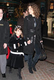 th_01194_melina_kanakaredes_christmas_shopping_tikipeter_celebritycity_002_123_154lo.jpg