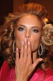 th_96990_fashiongallery_VSShow08_Backstage_AlessandraAmbrosio-60_122_358lo.jpg