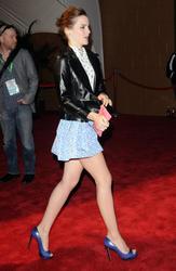 Emma Watson au festival Tribeca de New York. Th_127573411_EmmaWatson_TribecaFF_210412_103_122_376lo