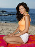 th_67556_Katharine_McPhee_-_Stewart_Shining_photoshoot_07_122_123_397lo.jpg